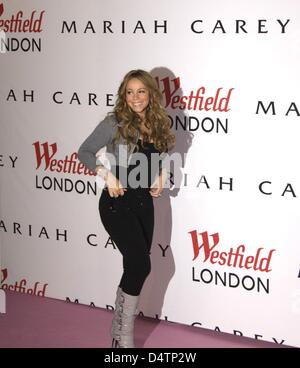 US singer Mariah Carey promotes a department store in London, United Kingdom, 19 November 2009. The pop diva has - Stock Photo