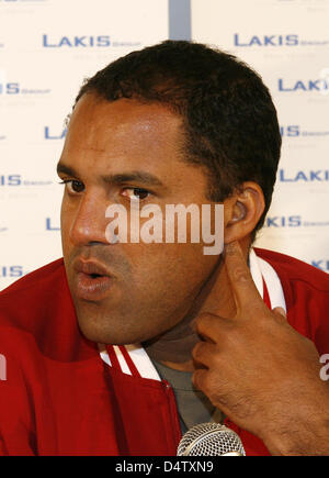 Brazilian soccer player Ailton pictured during a press conference at soccer club KFC Uerdingen 05 in Krefeld, Germany, - Stock Photo
