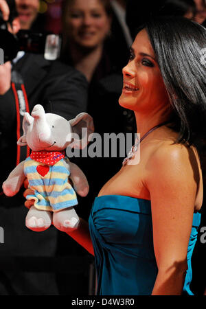 Mexican actress Salma Hayek arrives for the charity gala 'A Heart for Children' ('Ein Herz fuer Kinder') in Berlin, - Stock Photo
