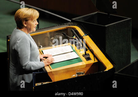 German Chancellor Angela Merkel delivers a speech to the 6th General Assembly at the UNSummit in New York, NY, - Stock Photo