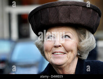 Queen Beatrix of the Netherlands attends the congress 'Resilience and Confidence' of the Social Economic Council - Stock Photo