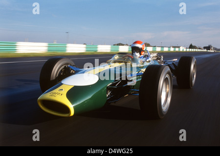 Graham Hill's Lotus 49, driven at Snetterton by Tiff Needell - Stock Photo