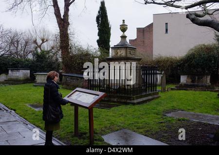 William Hogarth's Grave, St. Nicholas's Church Cemetery, Chiswick London UK - Stock Photo