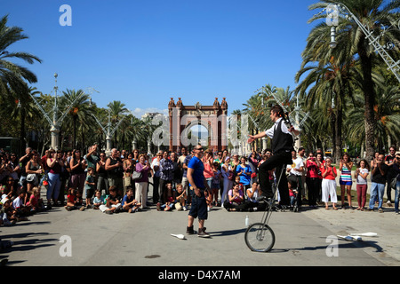 Arc de Triomf, Artists and visitors, Barcelona, Spain - Stock Photo
