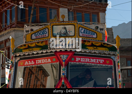 A highly decorated HGV and driver in Leh Ladakh, Jammu and Kashmir, Northern India. - Stock Photo