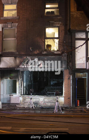 Tamworth, Staffordshire, UK. 20th March 2013. Fire rips through nightclub. Nightclub gutted by fire with offices - Stock Photo