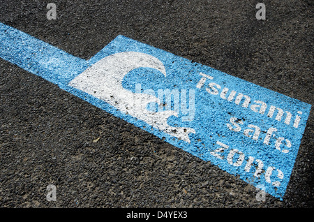 Tsunami safe zone marked on the streets of Wellington city, New Zealand. - Stock Photo