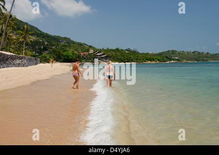 Thailand, Island of Ko Samui (aka Koh Samui), Chaweng Beach. Popular beach on the Gulf of Thailand. - Stock Photo