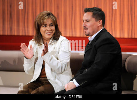 Edison Pena and his wife Angelica Alvarez talk during the recording of the German TV show 'People 2010' at the Bavaria - Stock Photo