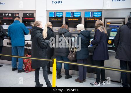 how to use london underground ticket machines