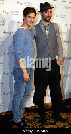 British musician Charlie Winston (R) and British star violinist Charlie Siem pose during a photo call for the Hear - Stock Photo