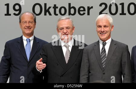(L-R) Porsche SE CFO Hans Dieter Poetsch, CEO Martin Winterkorn and executive board member Matthias Mueller attend - Stock Photo