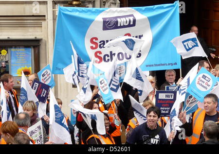 Public service workers gathered to protest against the government, which plans historic budget cuts in London, Germany - Stock Photo