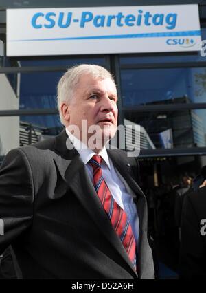 Der bayerische Ministerpräsident, Horst Seehofer (CSU) kommt am Freitag (29.10.2010) in München (Oberbayern) zum - Stock Photo