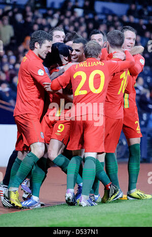 Glasgow, Scotland, UK. 22nd March 2013. Hal Robson-Kanu (9) celebrate's scoring the winner for Wales during the - Stock Photo