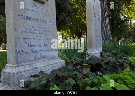 Gravestone of John Keats in the Protestant Cemetery of Rome.  'Here lies one whose name  was writ in water' - Stock Photo