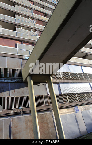 The Heygate Estate lies derelict and waits for demolition - Stock Photo