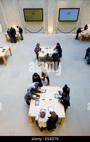 Apple store in Covent garden, London, United Kingdom - Stock Photo