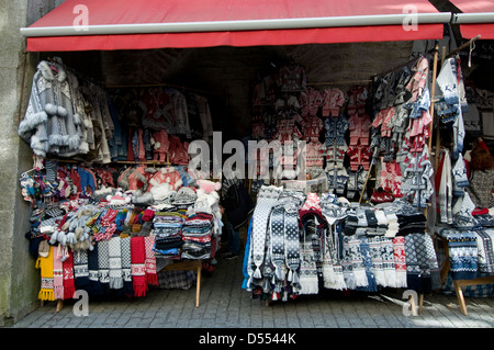 Market stalls under the arches of the he old fortified city walls in Muurivahe, Tallinn Old Town,Tallinn, Estonia,Baltic - Stock Photo