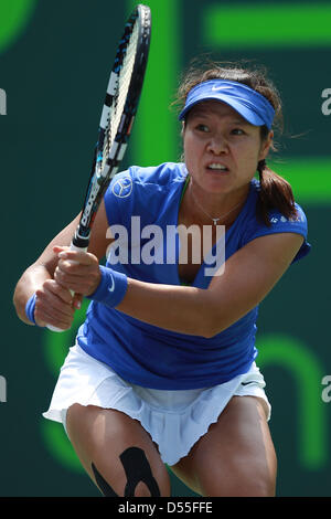 Carson, Florida, USA. 25th March, 2013. Na Li of China in action against Garbine Muguruza of Spain in their fourth - Stock Photo