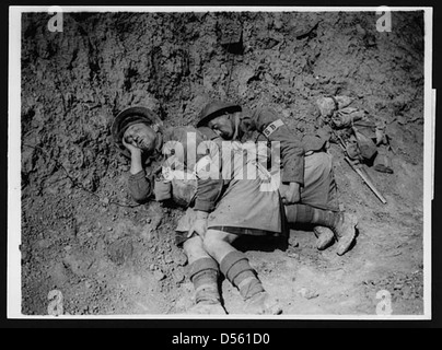 Jocks having a well-earned rest after a heavy spell of stretcher bearing - Stock Photo