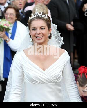 Annemarie Gualthérie van Weezel after her church wedding with Prince Carlos de Bourbon de Parme at Abdij Ter Kameren - Stock Photo