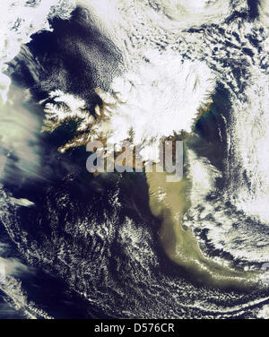 New satellite image of ash spewing from Icelandøs volcano 19 April 2010. In this image taken 14:45 CET by ESAøs - Stock Photo