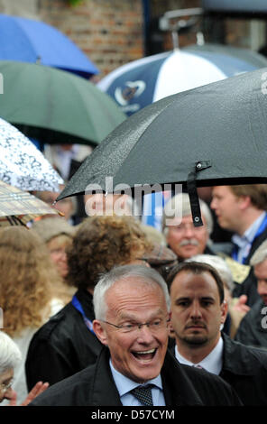 North Rhine-Westphalia's minister president Juergen Ruettgers arrives to a campaign event in Duesseldorf, Germany, - Stock Photo