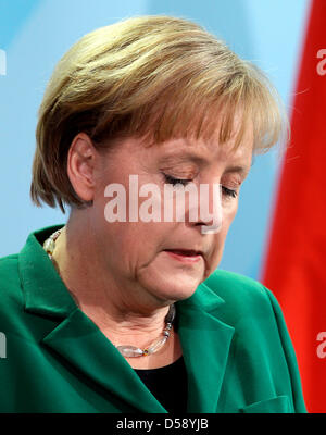 German Chancellor Angela Merkel gives a statement on the resignation of German President Horst Koehler at the Chancellery in Berlin, Germany, 31 May 2010. Mr Koehler had announced his retirement earlier the same day, mentioning the - as he called it  - unfair reaction to his comments on the economic role of the Bundeswehr's deployment in Afghanistan as reason for his step. Photo: W