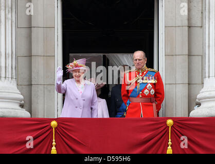 Britain's Queen Elizabeth and Prince Philip stand on the balcony of Buckingham Palace as they attend the Trooping - Stock Photo