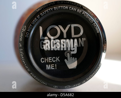 Safety button lid on Loyd Grossman tomato and basil pasta sauce bottle - Stock Photo