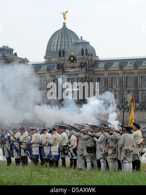 On the occasion of the 3rd Baroque Fest, history clubs from Germany and the Czech Republic meet for miliary exercises - Stock Photo