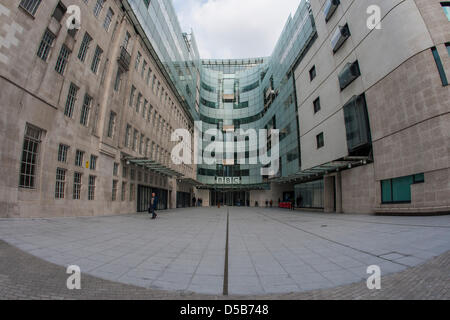 London, UK. 28th March 2013. Broadcasting House where BBC journalists hold 12-hour walk out. Members of the National - Stock Photo