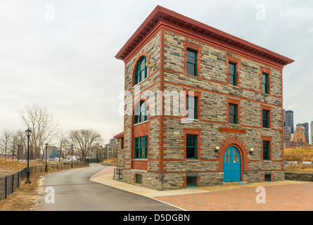 Strecker Memorial Laboratory (1892), Southpoint Park,  Roosevelt Island, New York.  Now a power conversion substation. - Stock Photo