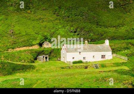 Blackpool Mill Cottage on the North Devon coast near the hamlet of Stoke, England. - Stock Photo