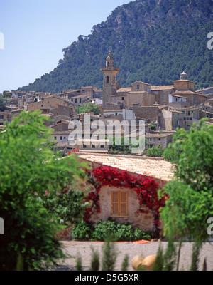 Hilltop village of Valldemossa, Valldemossa Municipality, Majorca (Mallorca), Balearic Islands, Spain - Stock Photo