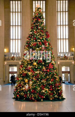 Christmas tree at 30th Street Train Station, Philadelphia, PA., USA - Stock Photo
