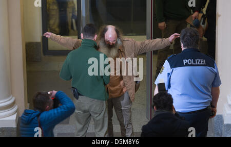 Dresden, Germany. 4th April 2013. Youth pastor from Jena Lothar Koenig arrives at the district court in Dresden, Germany. Judge - Stock Photo