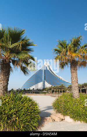 Jumeirah Beach Resort Dubai United Arab Emirates Blue Sky Building     Alamy