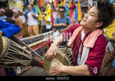Chiang Mai, Thailand. 5th April 2013. Musicians perform at the Poi Sang Long Festival in Chiang Mai, Thailand. The - Stock Photo