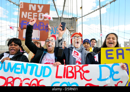 """Brooklyn Bridge during the annual Anti-Violence """"Compassion"""" rally.. - Stock Photo"""