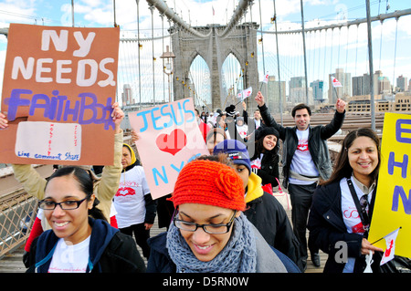 """MODEL RELEASED: Brooklyn Bridge during the annual Anti-Violence """"Compassion"""" rally... - Stock Photo"""