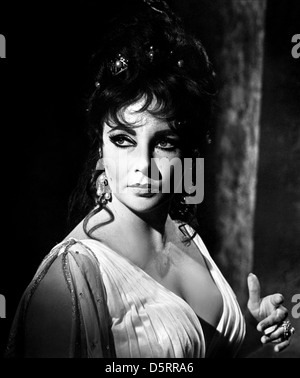 ELIZABETH TAYLOR DOCTOR FAUSTUS (1967) - Stock Photo