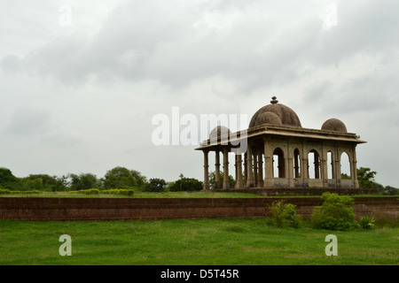 Cenotaph in the courtyard of Kevda Masjid, Champaner, Gujarat. - Stock Photo