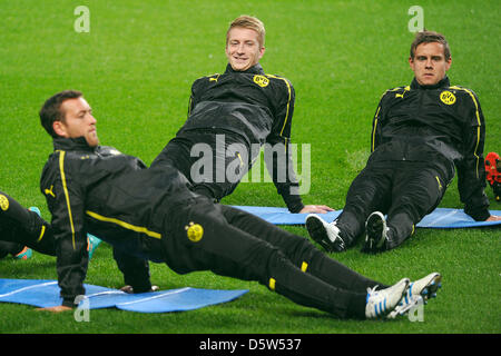 Dortmund's Julian Schieber (l-r), Marco Reus and Moritz Leitner are pictured during the final rehearsal at the Ethiad - Stock Photo