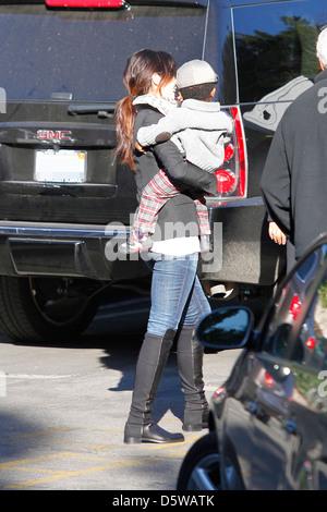 Sandra Bullock is seen taking her son Louis to school Los Angeles, California - 14.02.12 - Stock Photo