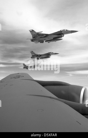 F-16 Fighting Falcons assigned to the Texas Air National Guard's 149th Fighter Wing at Lackland Air Force Base fly - Stock Photo