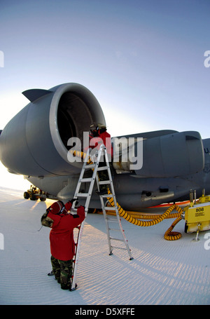 Boeing C-17 'Globemaster III' at Pegasus White Ice Runway, Antarctica during an 'Operation Deep Freeze' mission. - Stock Photo