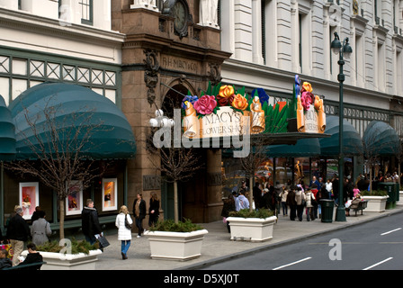 Macy's Flower shop in New York. - Stock Photo