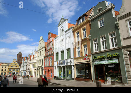 The Kraemer Street is pictured in Wismar, Germany, 17 June 2012. Photo: Jens Buettner - Stock Photo
